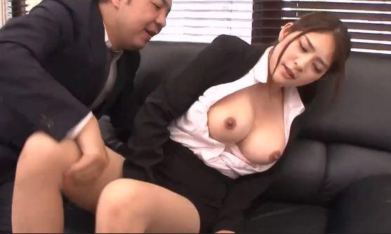 Cô điệp viên xấu số bị hiếp dâm