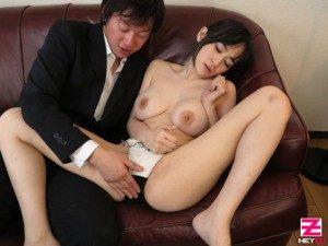 Móc lốp vợ đồng nghiệp tại nhà riêng