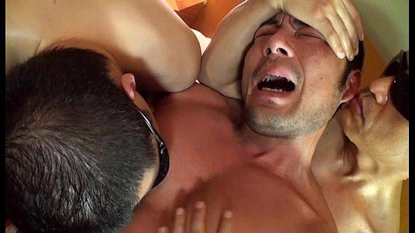 Trai đẹp bị bạo dâm trong đau đớn