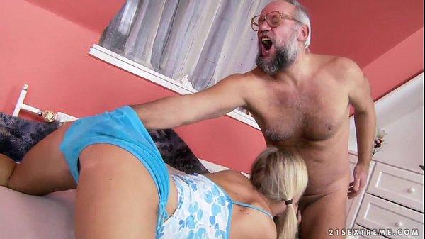 Lão già buồi gân chơi gái trẻ