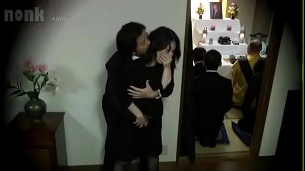 Loạn luân chị dâu trong đám tang anh trai