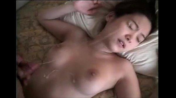 Xuất tinh đầy vào mặt bạn gái